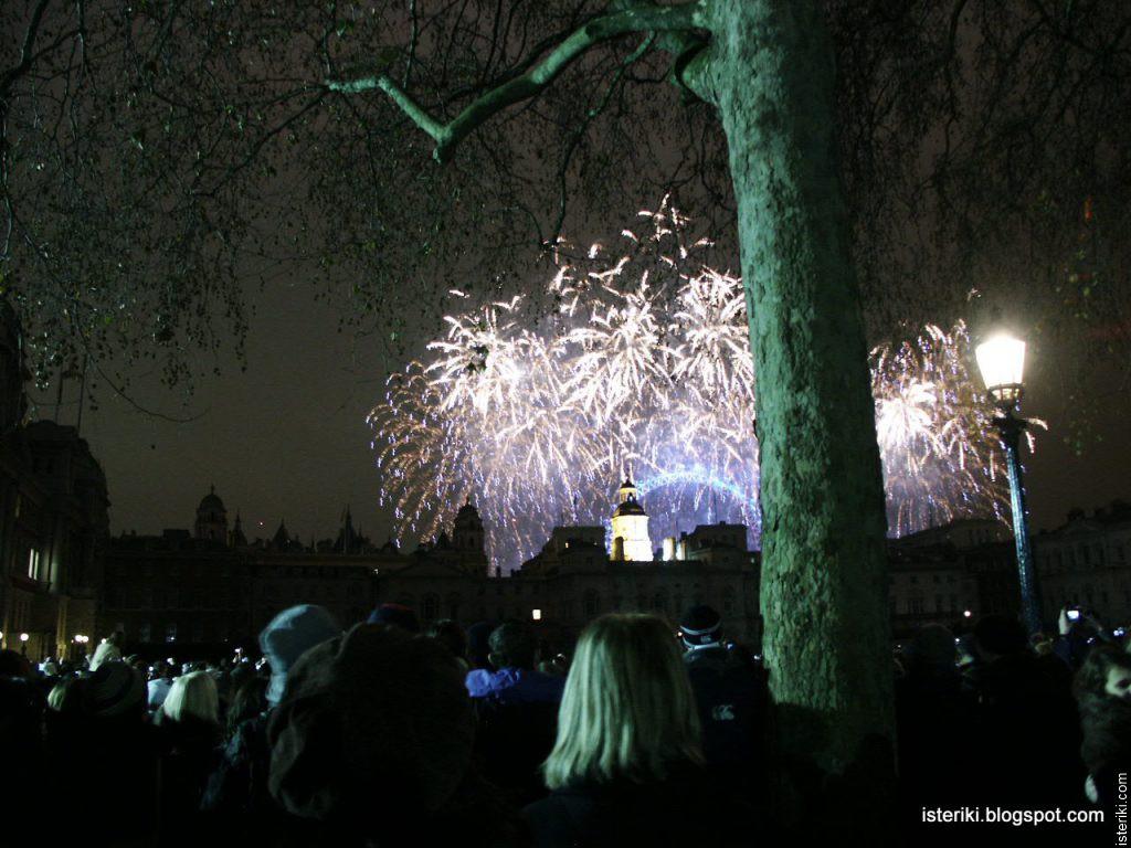 Фейерверки в Лондоне на Новый 2011 год